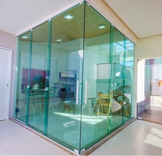 Empresa de porta de vidro