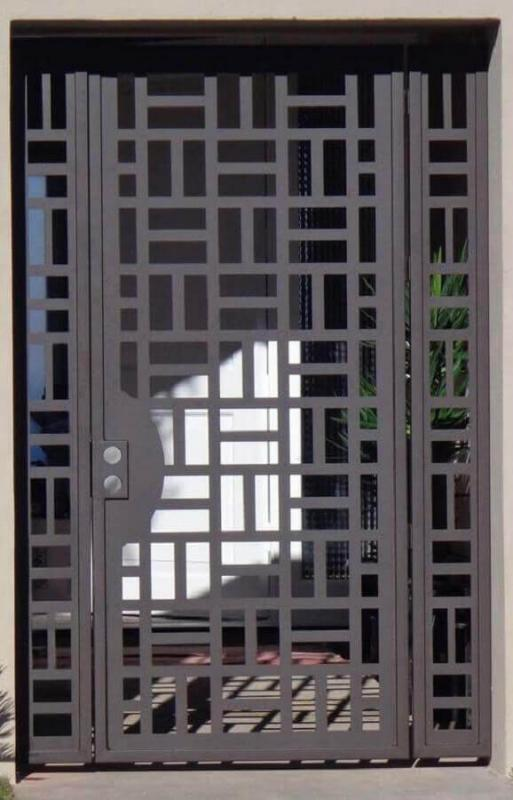 Portao de ferro com chapa galvanizada